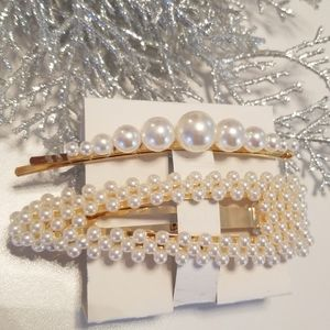 Accessories - 3/$20 New Pearl Hair Clips